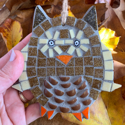 owl and leaves